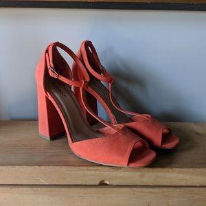 Fun retro style heels - size 10